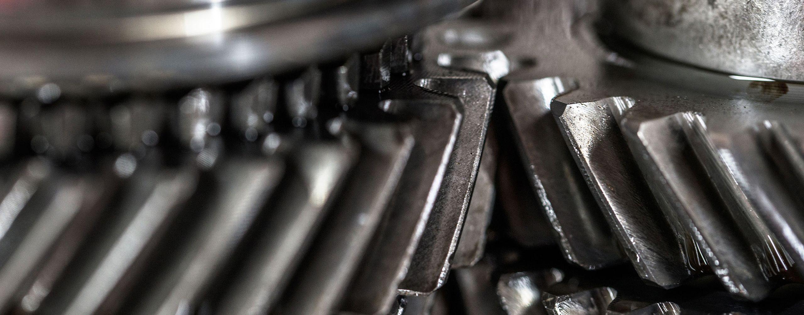 Getriebereparatur in der hauseigenen Motorenwerkstatt